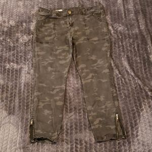 Kut from the Kloth camo ankle skinny pants